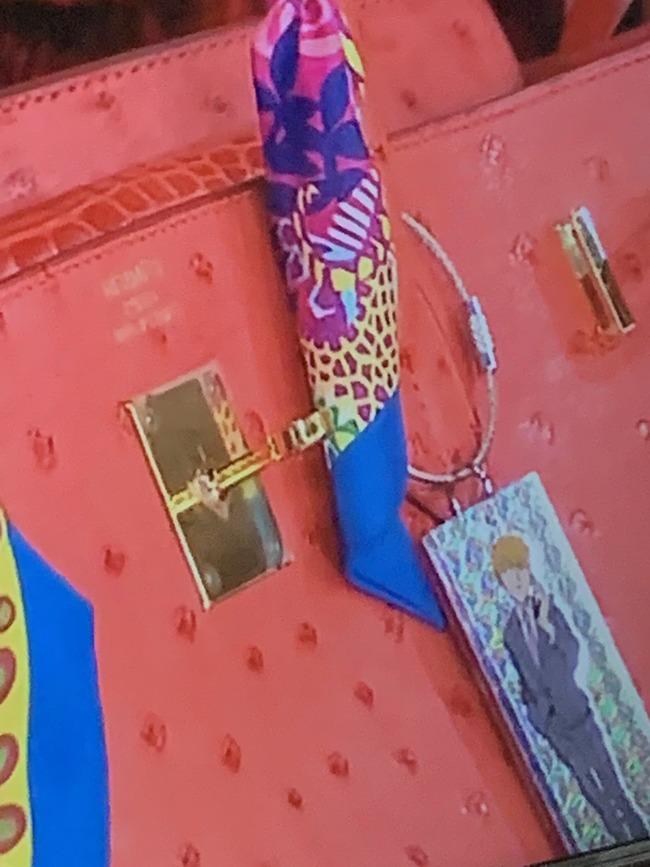叶姉妹 叶美香 ブチャラティ ジョジョの奇妙な冒険 フィギュア オタク かばんに関連した画像-07