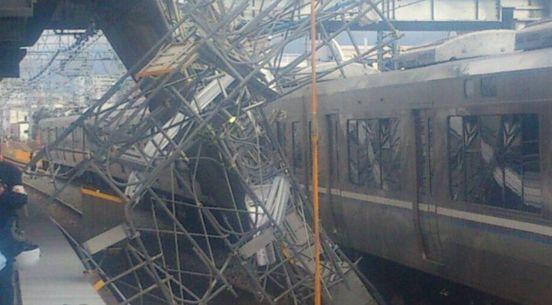 JR神戸線 運転見合わせ 電車 遅延 足場 落下物に関連した画像-01