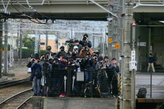 JR東日本 八高線 車掌 中指 撮り鉄 謝罪に関連した画像-03