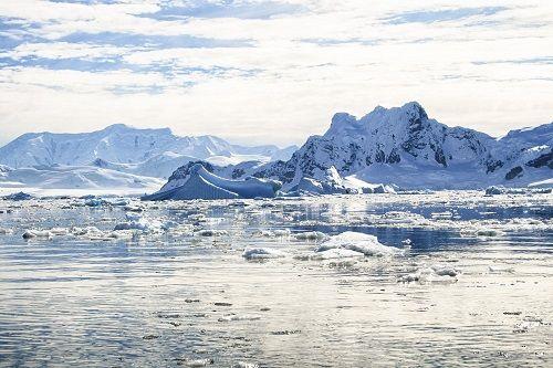 南極海に超超超巨大な穴が出現!サイズが桁違いで地球ヤバイ!!