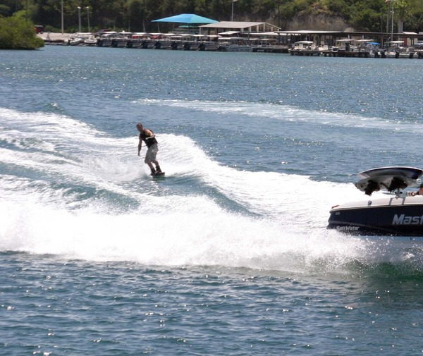 Wakeboarding%2C_Guantanamo_Bay_1