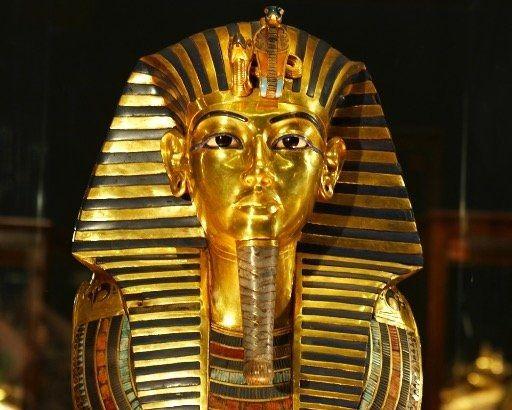 ツタンカーメン 博物館 接着剤 起訴 エジプト考古学博物館 破損に関連した画像-01