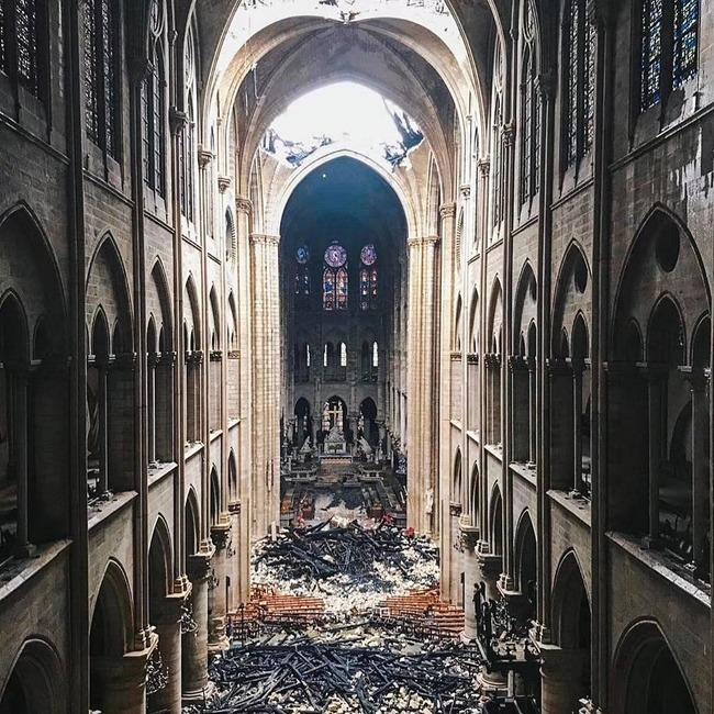 ノートルダム大聖堂 崩壊 廃墟 火災 十字架に関連した画像-04