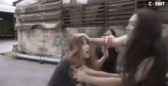 女性 喧嘩 仮面ライダーに関連した画像-01