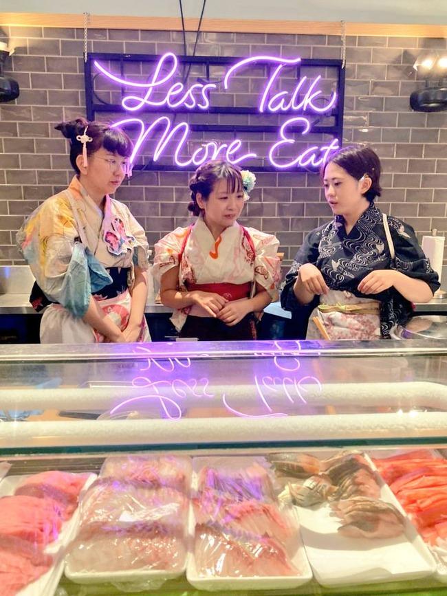 なでしこ寿司 女性 寿司 不衛生 着物 袖 髪の毛 化粧 炎上に関連した画像-09