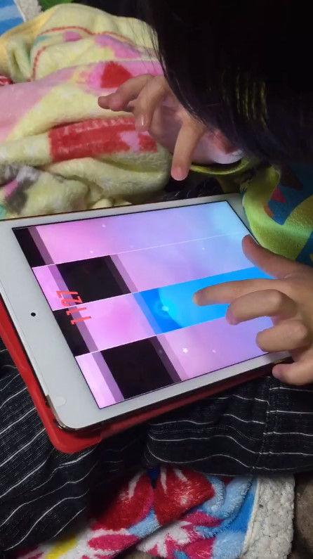 音ゲー 4歳 天才 指に関連した画像-02