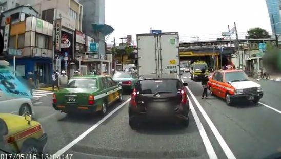 ドライブレコーダー 歩行者 車に関連した画像-07