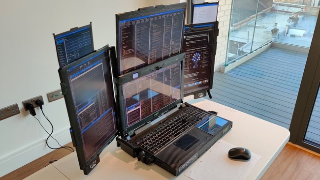 ノートパソコン 液晶 世界初 7画面 イギリス に関連した画像-03