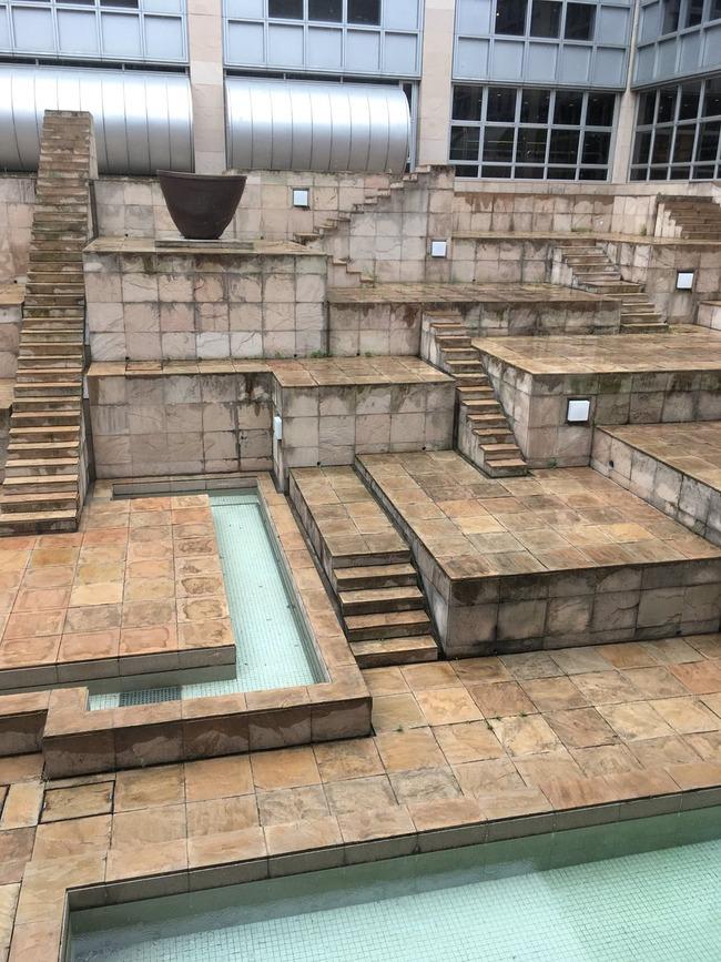 国立民族博物館 中庭 タクティクスみ タクティクスオウガ FFTに関連した画像-02
