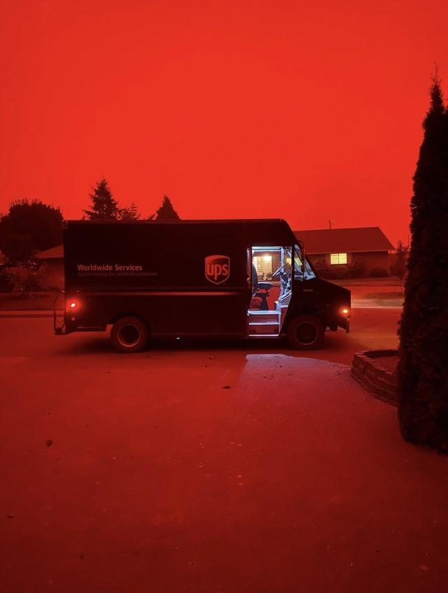 アメリカ 山火事 異界 SIREN 赤い 空に関連した画像-04