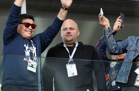 ディエゴ・マラドーナ ロシアW杯 問題行動 アルゼンチン代表 レジェンド に関連した画像-01