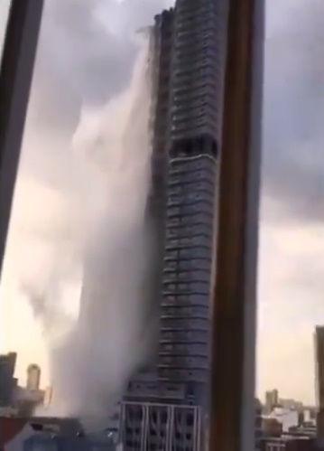 フィリピン マニラ 高層ビル 屋上 プール 地震 滝に関連した画像-03