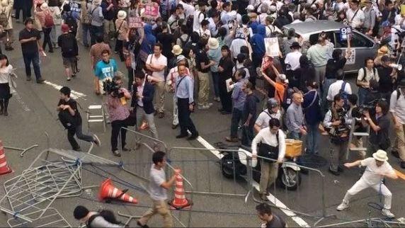 デモ 逮捕者 13人に関連した画像-01