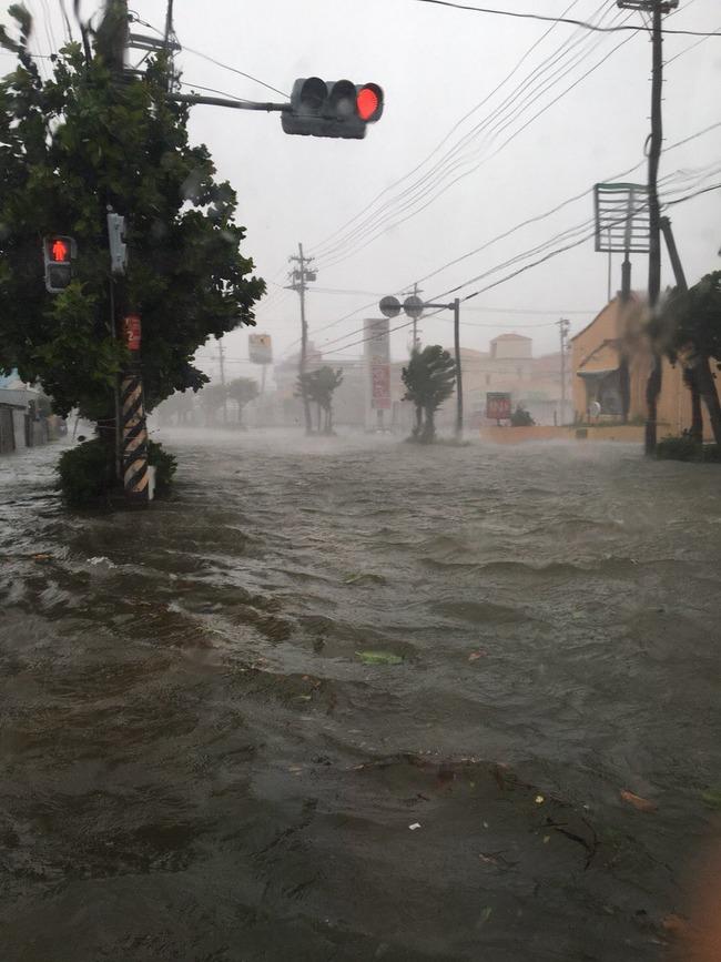 台風 24号 沖縄 日本 暴風雨に関連した画像-06