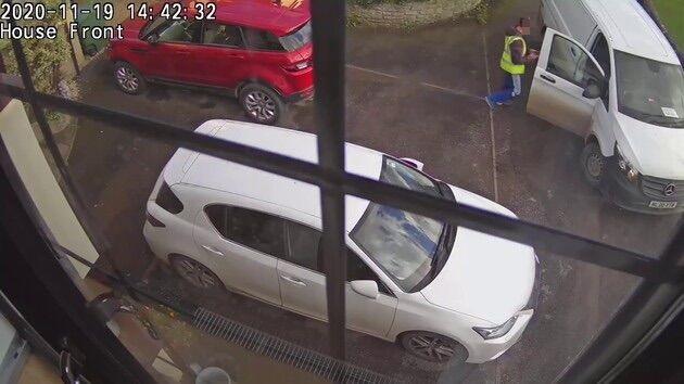 イギリス PS5 Amazon 配達員 監視カメラ 解雇に関連した画像-04