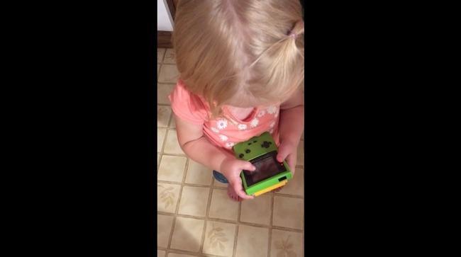 ゲームボーイ 子供 タッチ操作に関連した画像-03