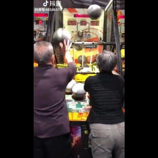 老夫婦 バスケゲーム 無双に関連した画像-02