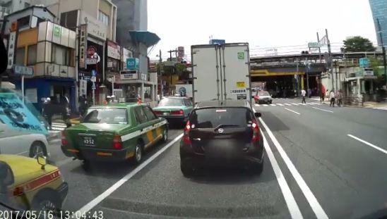 ドライブレコーダー 歩行者 車に関連した画像-03