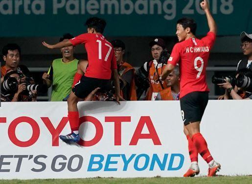 韓国 アジア大会 日本 サッカー 自尊心 踏みにじる トヨタ自動車株式会社 看板に関連した画像-01