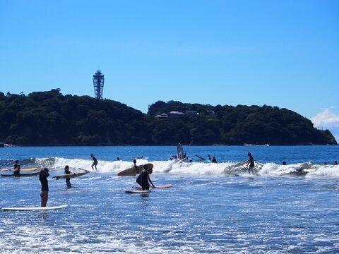 湘南 海水浴 無法地帯 お盆 海岸 神奈川 江の島 新型コロナ 新型コロナウイルス感染症に関連した画像-01