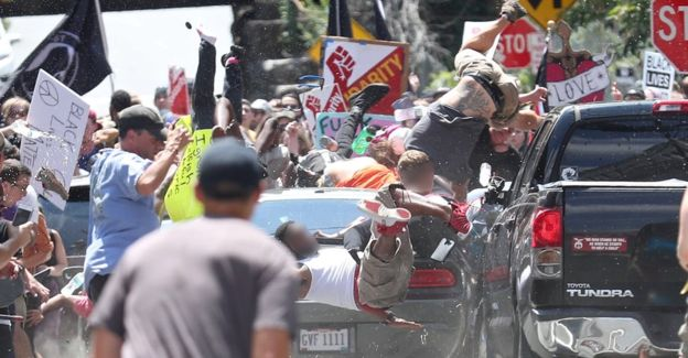 ヴァージニア州知事 演説 白人至上主義団体 デモ 死者 事件に関連した画像-03