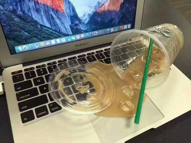 コーヒー こぼした パソコン 偽物 ダミー ドッキリ いたずらに関連した画像-02