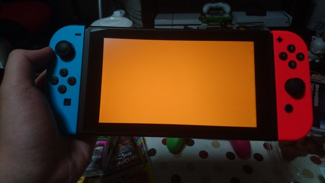 任天堂 ニンテンドースイッチ オレンジスクリーン 故障 初期不良に関連した画像-01