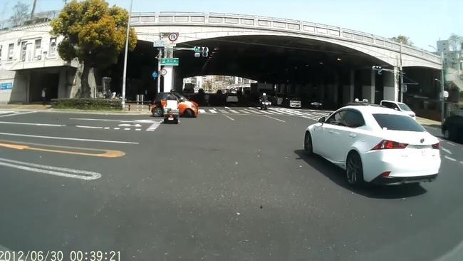 高齢ドライバー 危険運転 神戸に関連した画像-03