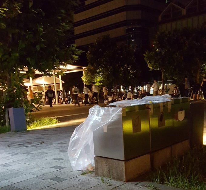 コミケ C96 徹夜組 東京ビッグサイトに関連した画像-02