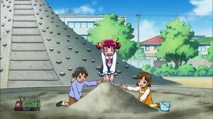 ツイッター 砂場 遊び場 子供 ピラミッドに関連した画像-01