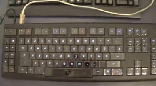 有機ELディスプレイ  キーボード Optimus Maximusに関連した画像-02