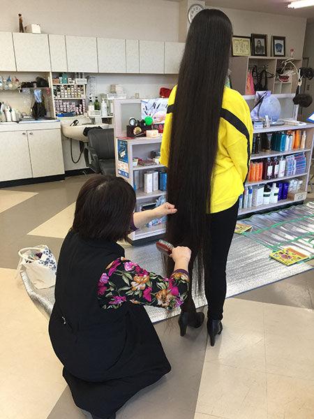 世界一髪の長い10代 ギネス 日本 女子高生に関連した画像-03