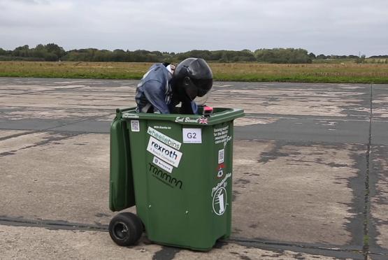 ゴミ箱世界最速記録に関連した画像-01