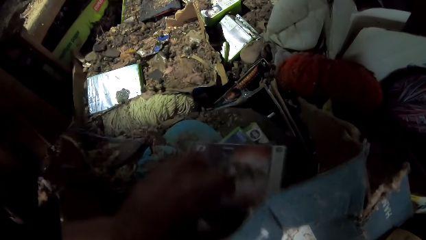 ユーチューブ ユーチューバー ゴミ屋敷 掃除 お宝 ゲーム レトロゲームに関連した画像-01