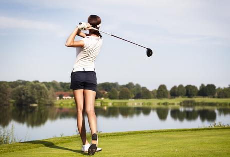 ゴルフ女子スカートに関連した画像-01