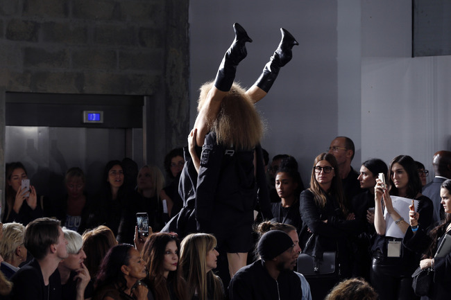 パリコレ ファッションに関連した画像-09