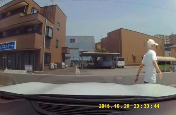 老害 車 カッター 傷 ドラレコに関連した画像-05