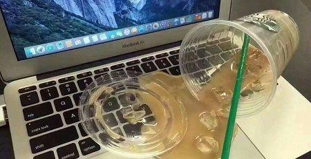 コーヒー こぼした パソコン 偽物 ダミー ドッキリ いたずらに関連した画像-01