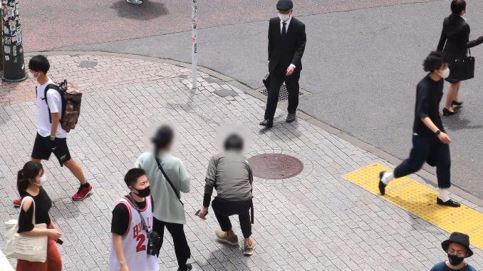 外国人 ユーチューバー 日本 安全 検証 財布 落とす 自転車 放置に関連した画像-04
