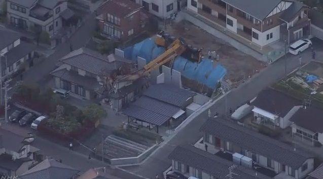 大型クレーン 横転 住宅破壊に関連した画像-03