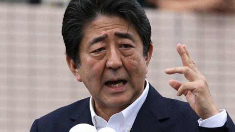 東京地検特捜部、安倍前首相の公設秘書を立件へ 前首相本人への任意の事情聴取も要請