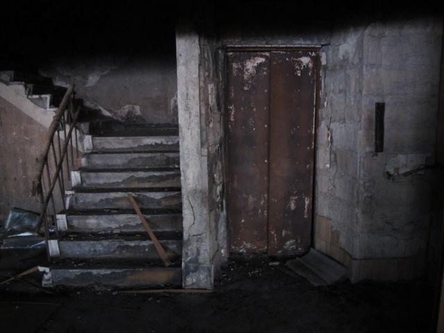 エレベーター 故障 中国 ホラーに関連した画像-01