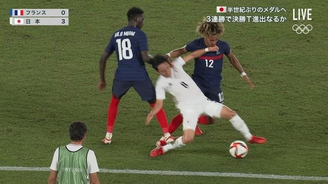 サッカー・フランス代表の黒人選手がまたやらかす 日本戦でのファールが悪質すぎて炎上