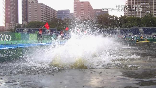 東京五輪 トライアスロン スタート ボート 嘔吐 汚水に関連した画像-04