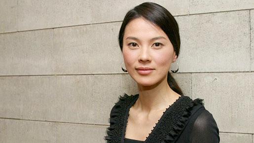 女優・江角マキコさんが芸能界引退を発表!