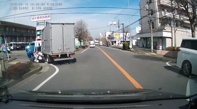 白バイ トラック 動画に関連した画像-09