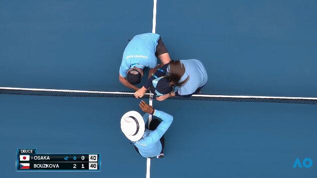 大坂なおみ テニス ネット 破壊に関連した画像-03