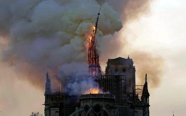 ノートルダム大聖堂 フランス パリ 寄付 デモに関連した画像-01
