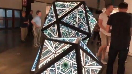 LAアートショー 正二十面体 あわせ鏡に関連した画像-06