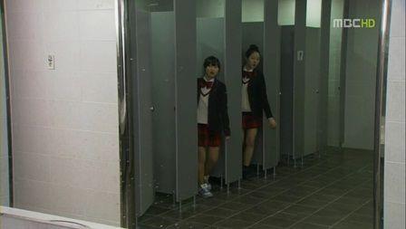 トイレ 異性 間違いに関連した画像-01
